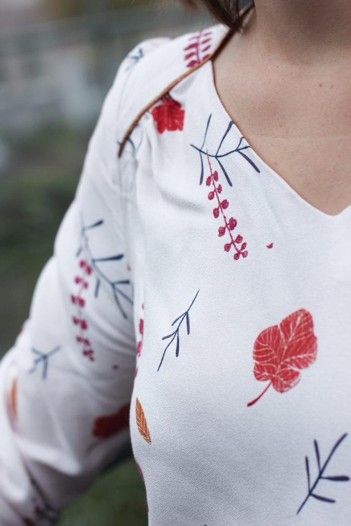 Tissu Lise Tailor - Falling flowers rose - Blouse Suun