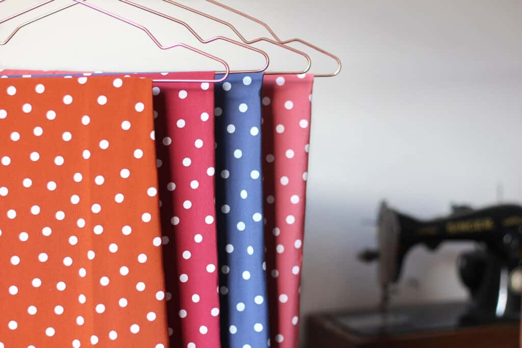 Tissu viscose à pois - Dancing polka - Lise Tailor