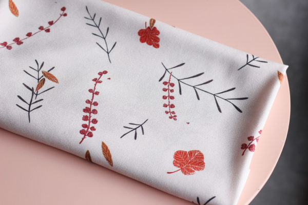 Tissu viscose - Falling flowers Rose - Lise Tailor