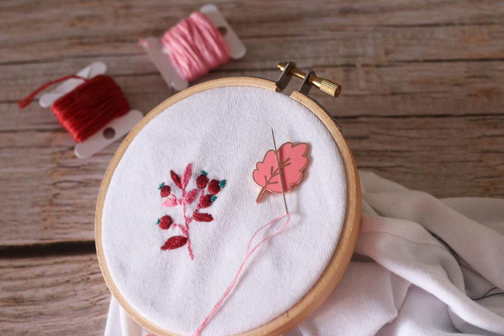 Needle minder - Porte aiguille aimanté - One apple a day- feuille - Lise Tailor