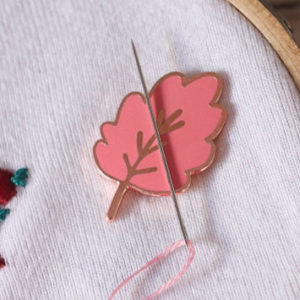 Needle minder - Porte aiguille aimanté - One apple a day- feuille - Lise Tailor